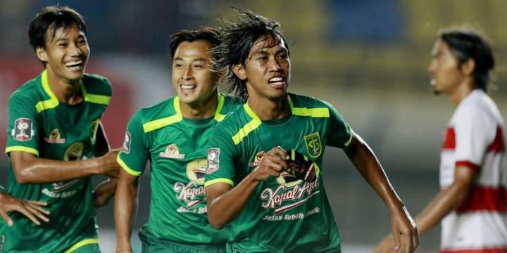 Madura United Vs Persebaya Surabaya : Bajul Ijo Menang 2-1