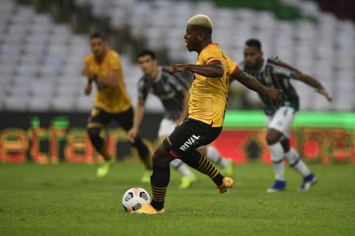 Fluminense Vs Barcelona: Fluminense Imbangi Barcelona 2-2